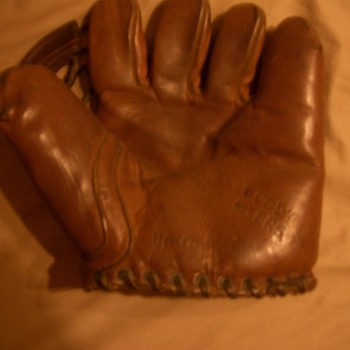 Buddy Myers Glove - Baseball