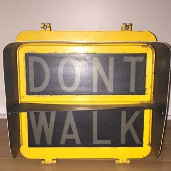 1974 New York City pedestrian signal - Signs