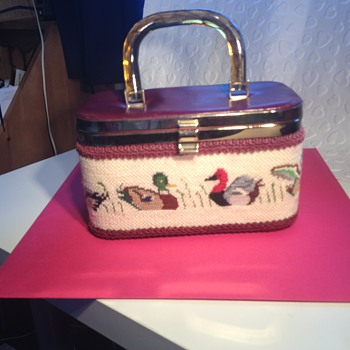 possible 1950s tapestry box handbag