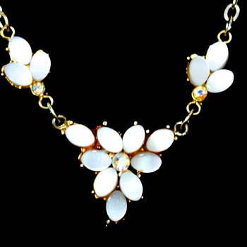 Faux pearl and gilt neck things - Costume Jewelry