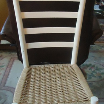 Need help  Mom's Chair bought in 1960's, Made In Italy  ladderback modern with string seat?!  Who made this?