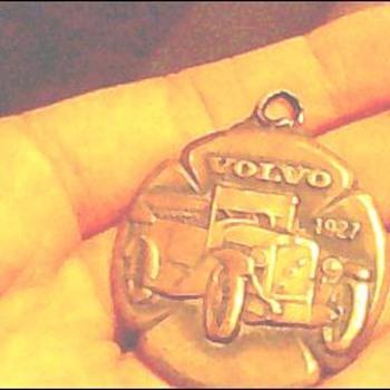 1927 volvo car medal