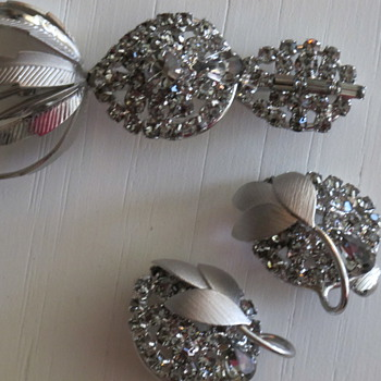 Supersized Gray Rhinestone Demi Parure UnMarked Beauty