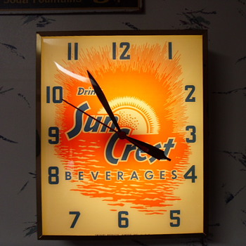 Vintage SunCrest Clock