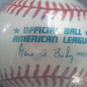 Derek Jeter Autographed Baseball 1998 - Baseball