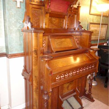 Crown Organ - from around 1911