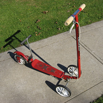 Honda Kick-n-Go sidewalk scooter - Outdoor Sports