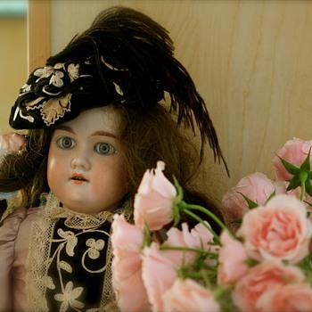 Armand Marseille Floradora - Dolls