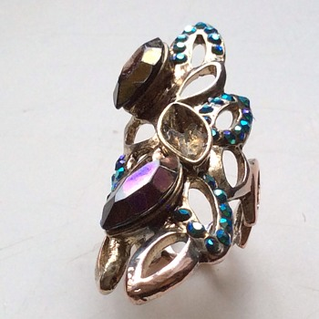 Antique or vintage ring - Costume Jewelry