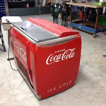 Restoring this coke cooler - Coca-Cola