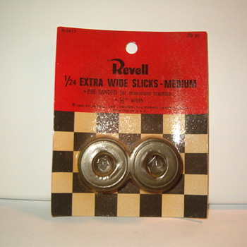 REVELL SLOT CAR TIRES 1966 VINTAGE GOODIES