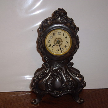 Mom's Western Clock Mgf. Co. table clock - Clocks