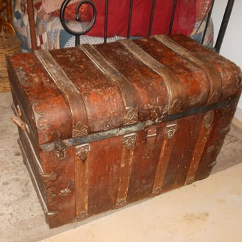Antique Trunk Red Metal Finish