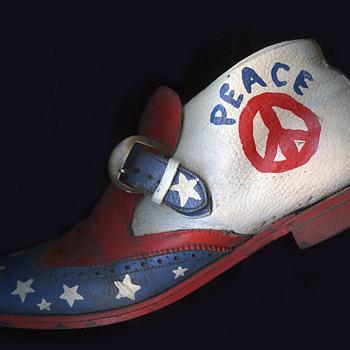 #49 ~ 1960s / early 70s Hippie Folk Art PEACE SHOE (4 sides) - Folk Art