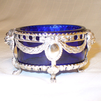 Sterling hallmarked salt with cobalt liner