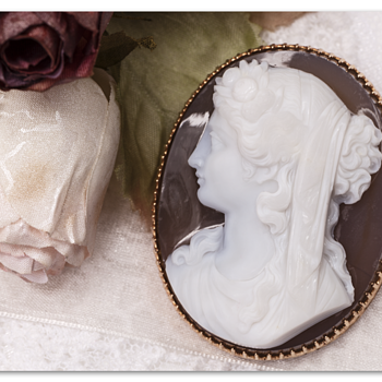Victorian French hard stone agate cameo of  the nymph Pomana. - Fine Jewelry