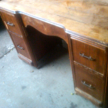 made in davenport, iowa desk - Furniture