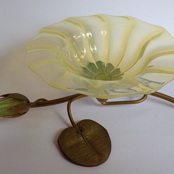John Walsh Walsh uranium glass waterlily bowl on metal stand