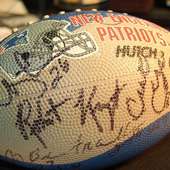 1996 team signed patriots foot ball