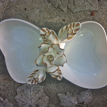 Lovely gold accented rose dish with mystery hallmark!  - Art Pottery