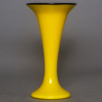 yellow tango vase - Art Glass