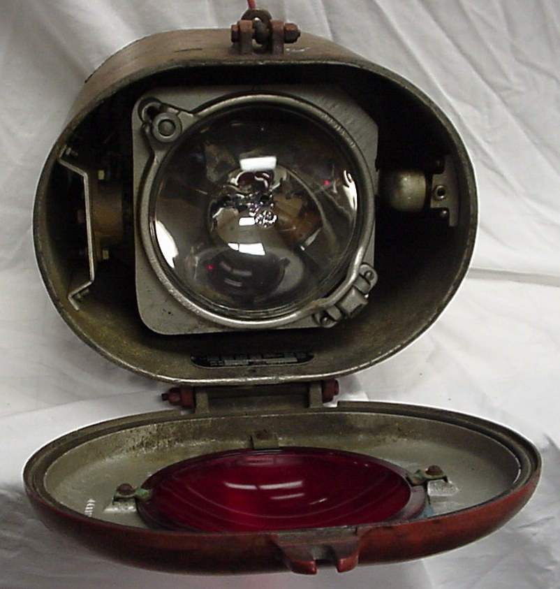 Antique Train Headlight : Railroad locomotive gyrailite headlight collectors weekly
