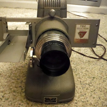 Vintage Bell & Howell Slide Projector 'TDC Vivid' - Cameras