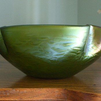 Rindskopf's Green Iridescent OIL SPOT Bowl- Identified
