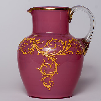 pink opalescent jug - Art Glass