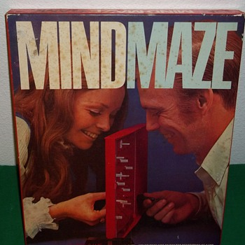 1970 Parker Brothers,  Mind Maze board game - Games