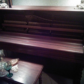 need helping on dating my piano - Musical Instruments