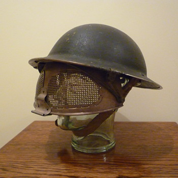 British WWII Navy issue Cruise Visor steel helmet. - Military and Wartime