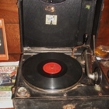 Portable Henry Phonograph 