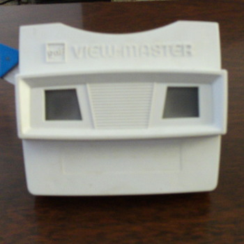 Viewmaster and 27 reels