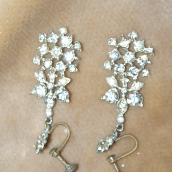 Vintage Dangle Rhinestone Earrings