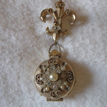 Antique Pin - locket - Fine Jewelry