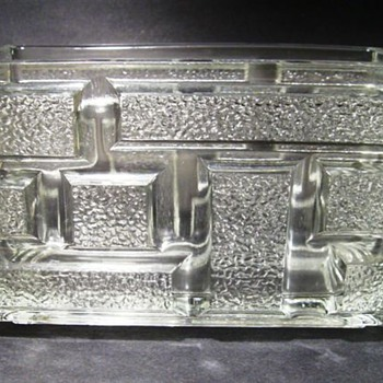 1973 -- Rudolfova Hut ( Block Pattern ) - Art Glass