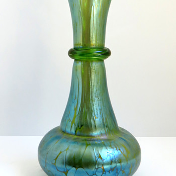 Loetz Creta Papillon Vase with Ring