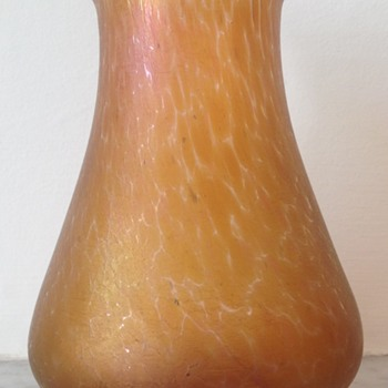 Kralik peach oil spot bud vase - Art Glass