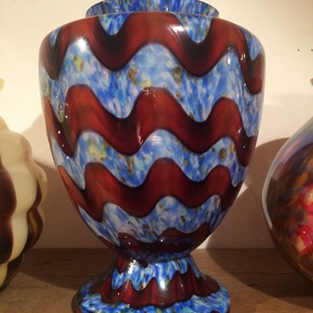 Kralik 'Wave Vase' in an interesting decor