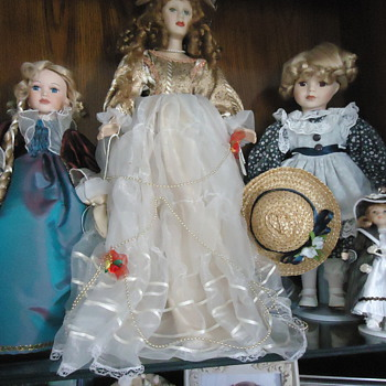dorothys  dolls collection. - Dolls