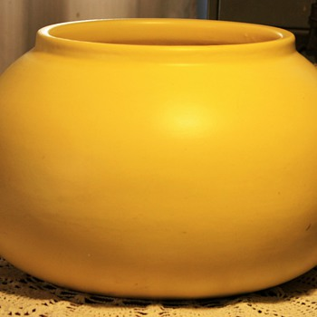 Monumental Matte-Yellow Olla