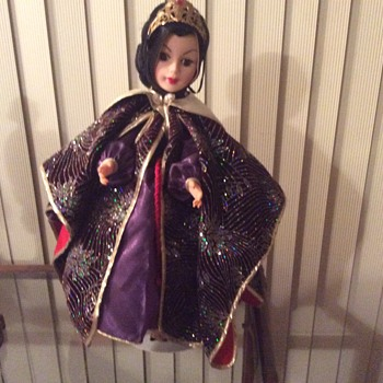 "Madam Alexander wicked stepmother. 19"" tall"