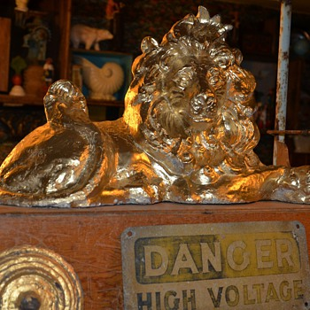 Before / After My Shabby Chic Gold Lion