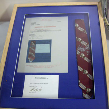Ringo Starr's owned and worn and signed tie... - Music