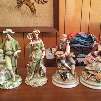 Figurines, any help with identification?