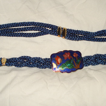 BRAIDED BELT WITH ENAMEL BUCKEL