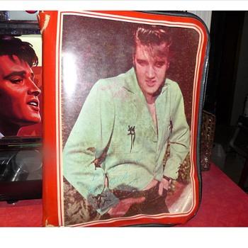 Elvis Binder