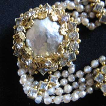 Great bracelet and necklace set - Costume Jewelry