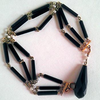 What era trivia question, 14k onyx & pearl bracelet. - Fine Jewelry
